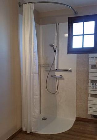 salle-de-bain-pmr-6